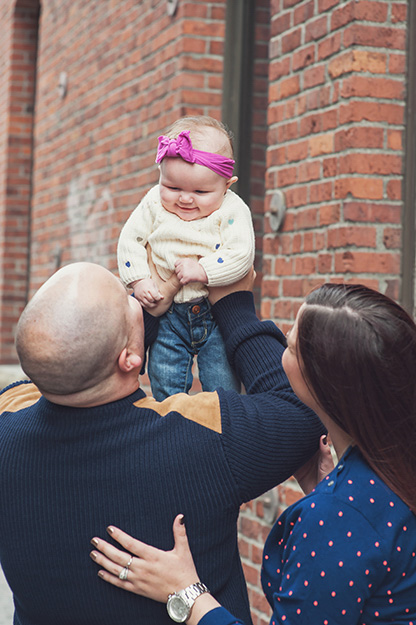Seattle Family Portraits - Pike Place Market - Photography by I CANDI Studios