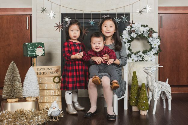Family Christmas / Holiday photoshoot by I CANDI Studios - Newcastle, WA